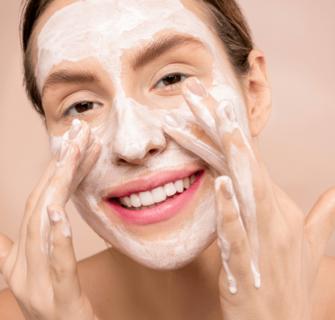 esfoliante caseiro 1 335x320 - Esfoliante caseiro - 3 receitas para cuidar do rosto e do corpo