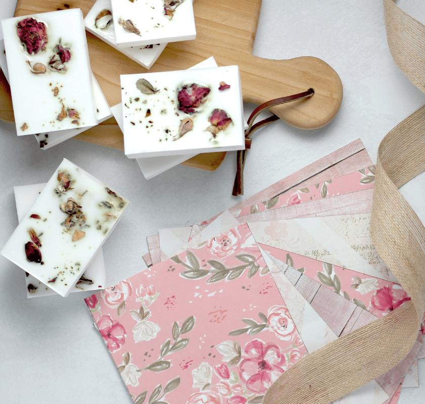 Receita de sabonete artesanal de hibisco – passo a passo!