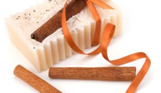 sabonete de canela 1 330x190 - Receita de sabonete de canela e cenoura – Sabonete bronzeador