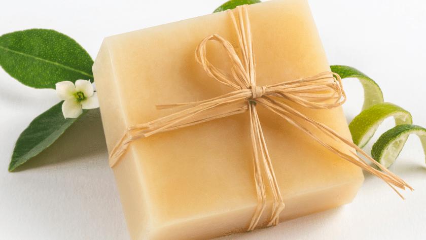 sabonete de limao siciliano 2 840x473 - Receita de sabonete de limão siciliano e mel – passo a passo completo