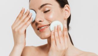 tipos de pele 2 330x190 - Tipos de pele do rosto - Características, como identificar e cuidados essenciais