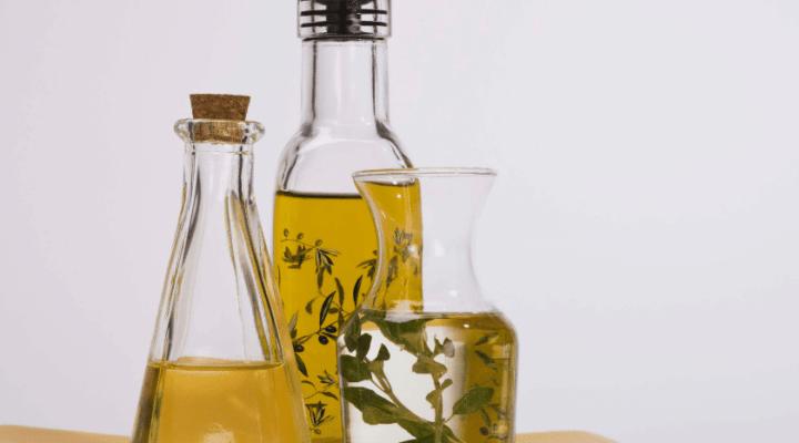 Óleo essencial e Óleo vegetal – Diferenças, funções e como você deve usar