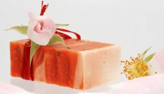 rosa damascena 1 330x190 - Receita de sabonete artesanal de rosa damascena passo a passo