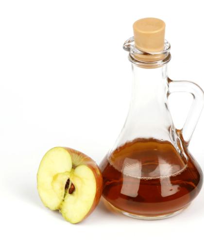 vinagre de maca 1 420x502 - Vinagre de maçã - Benefícios e como usar na estética